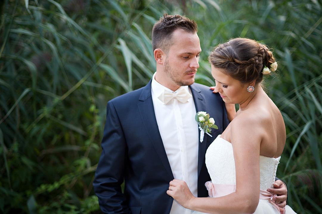 Rudek Fotografie Hochzeitspaar vor Schilf