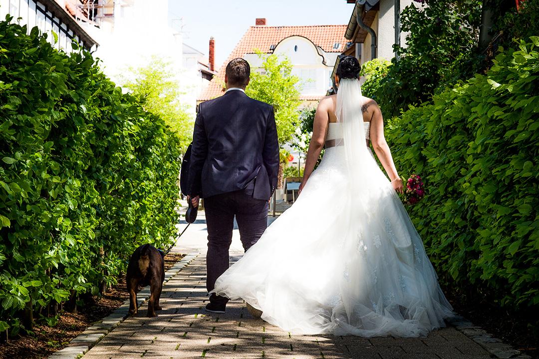 Rudek Fotografie - Hochzeitspaar mit Hund